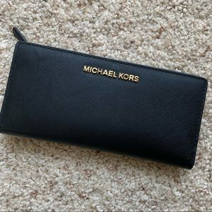 Michael Kors Jet Set Saffiano Snap Wallet
